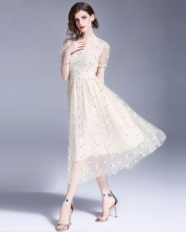 Women Elegant Mesh Chiffon Embroidery Sweet long  party dress