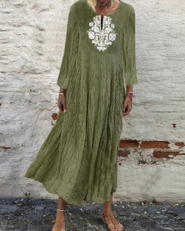 Solid Color Embroidery Short Sleeve V-neck Casual Maxi Dress