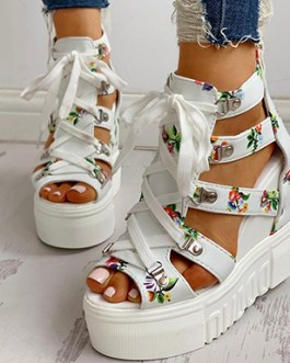 Goth-Style Wedges – Roman-Style Straps