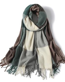 Luxury plaid warm fashion scarf