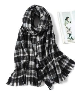 Cashmere Plaid Thick Knit Scarf