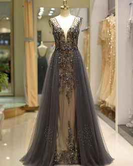 Luxury Heavy Beaded Tulle Backless V Neck Formal Evening Dress With Train