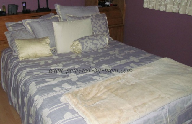 bamboo sheets and blanket