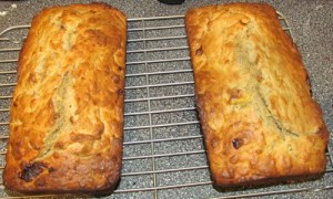 banana bread loaves