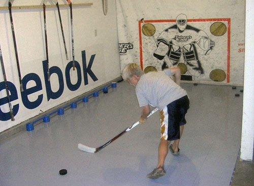 Slick-Tiles-Dryland-Hockey-Flooring-20-12-By-12-Tiles-White-0-1