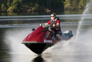 PSB managing editor Liz Keener hopped aboard the 2014 Yamaha VX Cruiser at a media event in Georgia. The VX Cruiser and Deluxe dropped 65 pounds thanks to their new NanoXcel hulls.