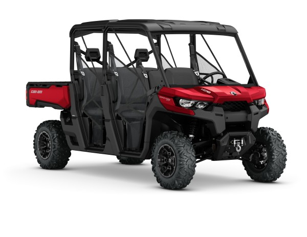 2017 Defender MAX XT HD10 Intense red__3-4 front