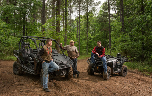 2017-can-am-commander_xt-p_outlander_xt-p_triple-black