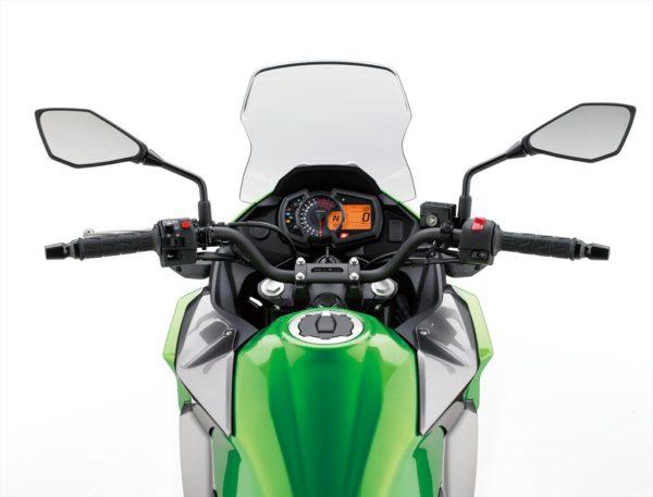 17_kle300c_gn1_rider_pov_us_r-med