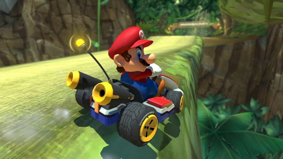 Mario-Kart-8-Deluxe-powerup-mario