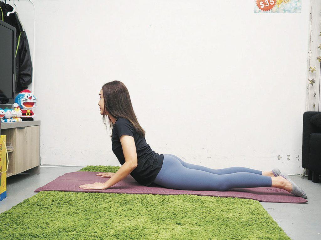 上班族腰酸背痛假肚腩 體適能教練:5式伸展護腰有法 - 生活 POWER-UP