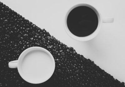 podzial kawa biała czarna
