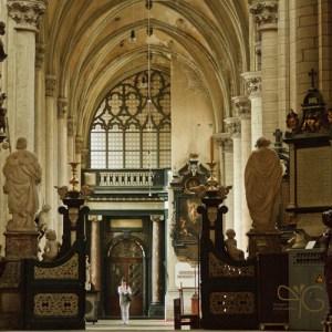 Интерьер церкви Sint Jacobskerk – церкви, где находится фамильная усыпальница Рубенсов