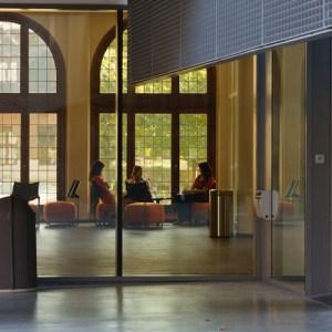 Атриум в главном кампусе университета Антверпена