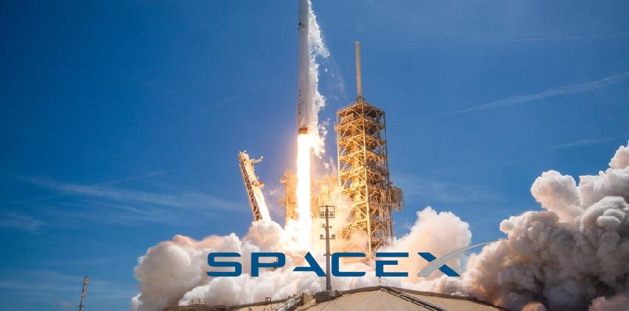 SpaceX отправит туристов к Луне!
