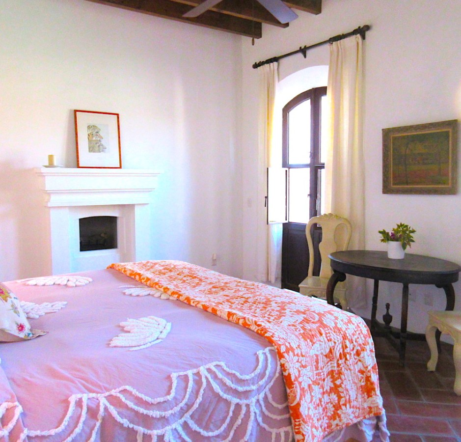 Dos Suites B & B in Mineral de Pozos with Lap Pool