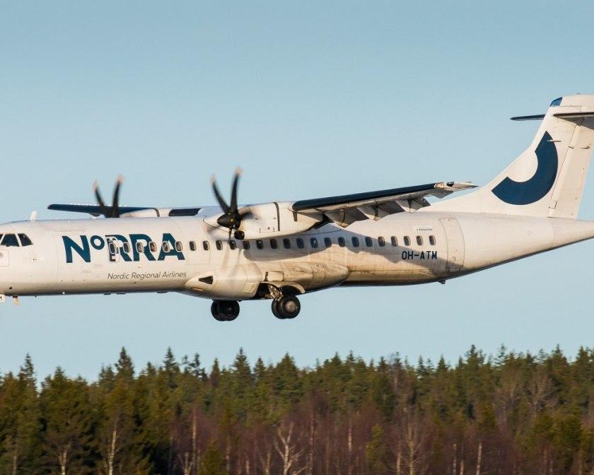 Самолет авиакомпании NORRA в воздухе