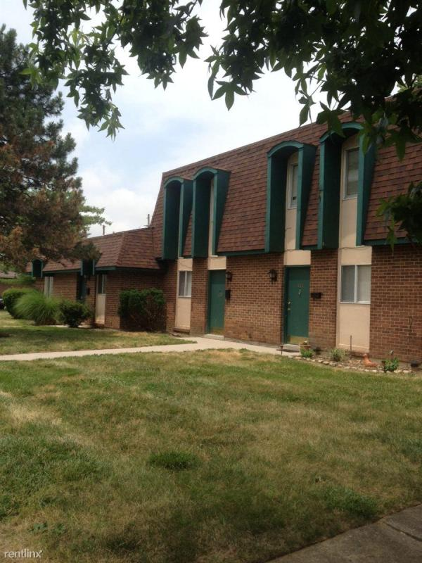Carriage House Apartments In Englewood