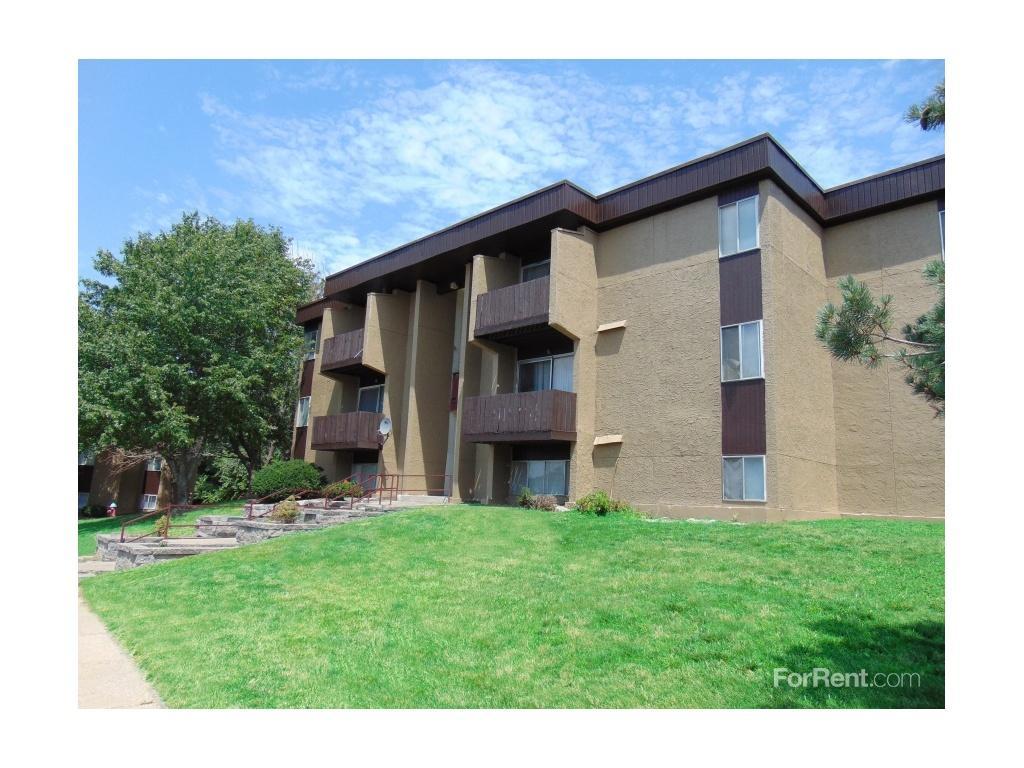Legend Oaks Gated Community Apartments Kansas City KS  Walk Score