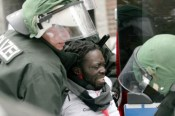 Asylbewerber-besetzen-nigerianische-Botschaft
