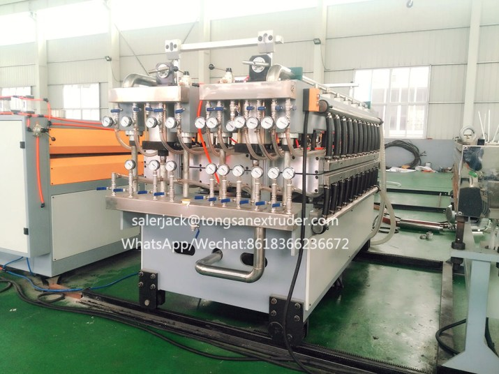 PP hollow profile sheet making machine