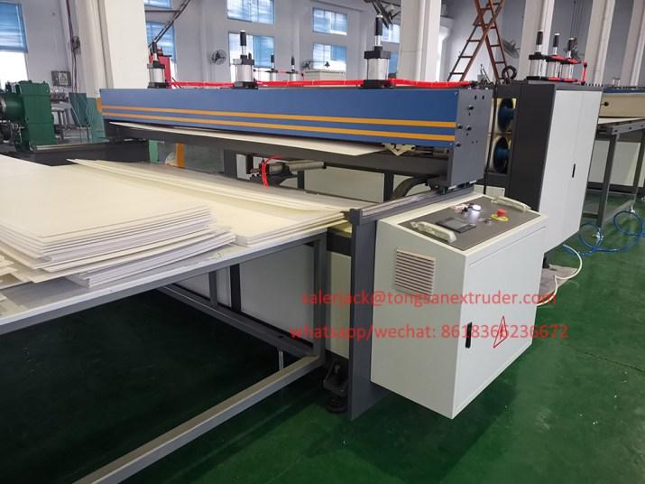 PP flute board cutting machine