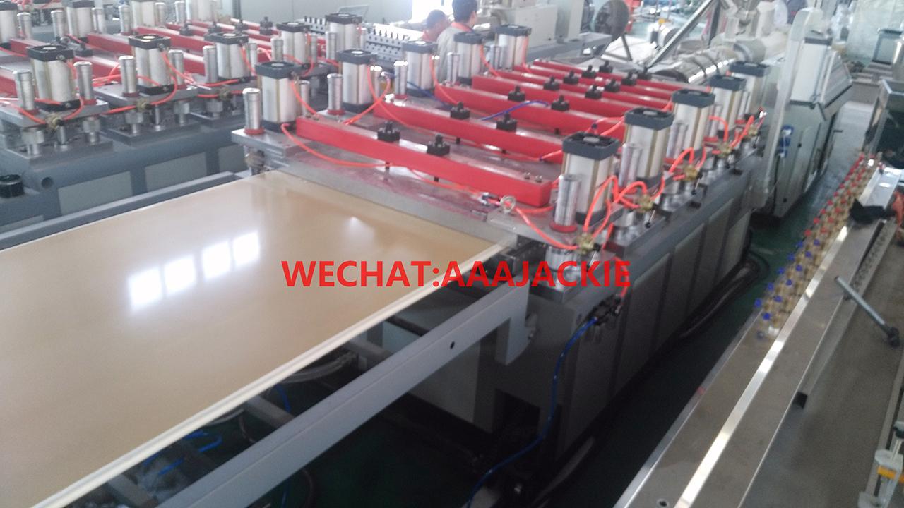 máy sản xuất tủ bếp nhựa