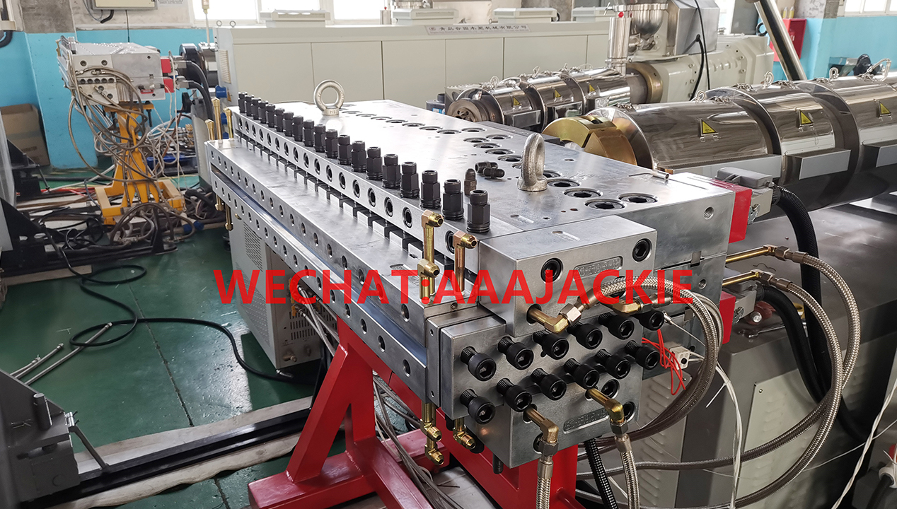 Máy sản xuất Tấm nhựa  PVC  Foam