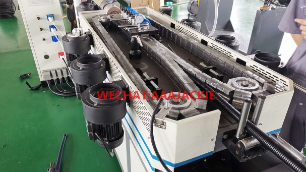 Máy sản xuất ống Gợn Sóng Nylon PA