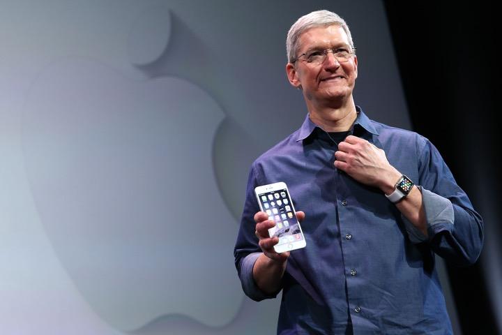 """Tim Cook admite: """"Preço do iPhone é alto demais"""""""