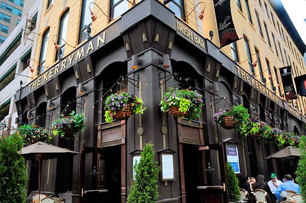 Chicago Apartments, St. Patrick's Day, The Kerryman Irish Bar & Restaurant