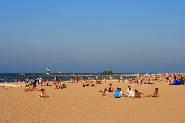 Chicago Apartments, Chicago Beaches, Loyola Leone Beach