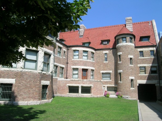 Chicago Apartments, Museums, Winter Discount Days, Glessner House Museum