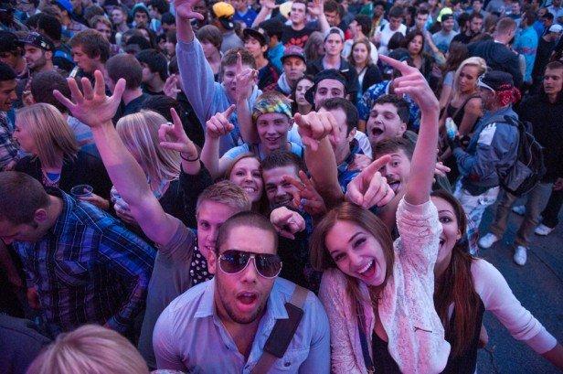 Chicago Apartments, Summer Festivals, Belmont Sheffield Music Festival