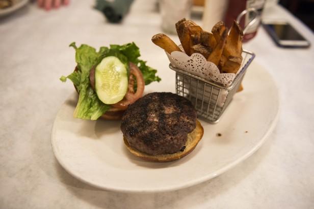 Chicago Apartments, Ruby's, Danish Bleu Burger