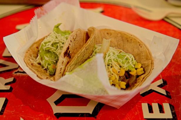 Chicago Apartments, Flacos Tacos, Picadillo Taco