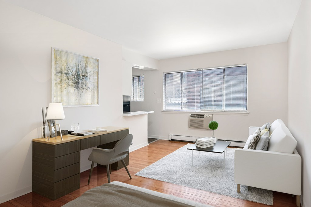 Chicago Apartments, Lakeview, 450 W Melrose Studio