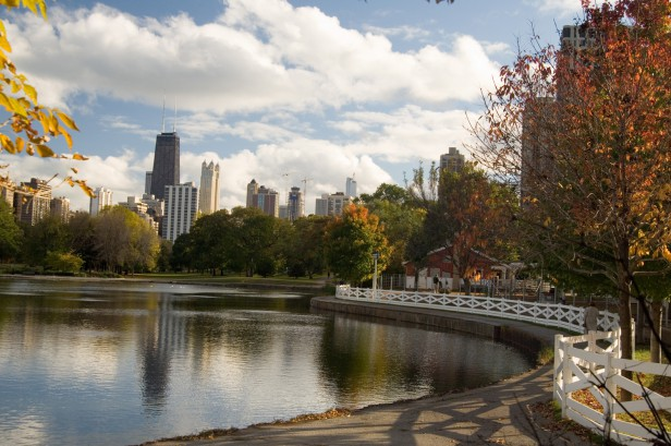 Chicago Apartments, Autumn Things to Do, Lincoln Park Zoo