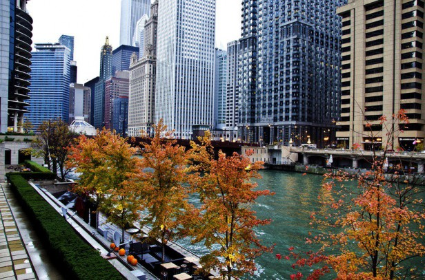 Chicago Apartments, Autumn Things to Do, Chicago River Walk