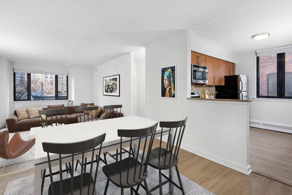 20 E Scott Dining Room Interior Chicago Apartments Gold Coast - 2
