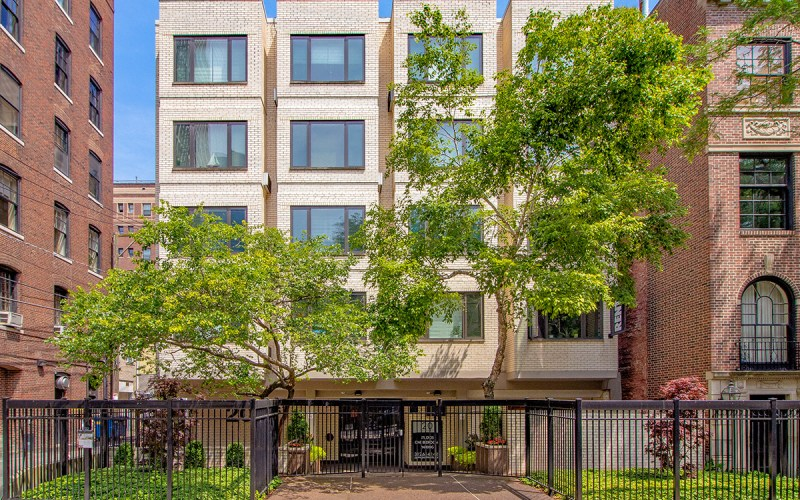 Chicago Apartments, Gold Coast, 20 E Scott Building Contacts