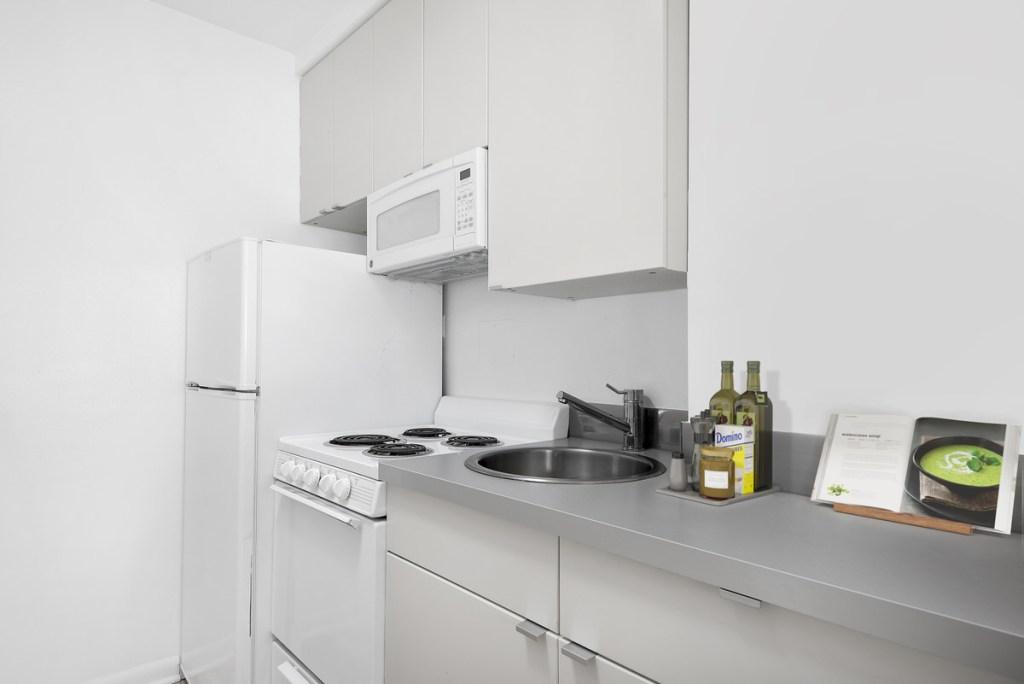 3130 N Lake Shore Drive Chicago Apartment Interior Kitchen 2