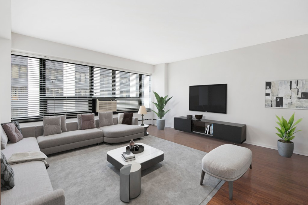 3130 N Lake Shore Drive Chicago Apartment Interior Living Room 1