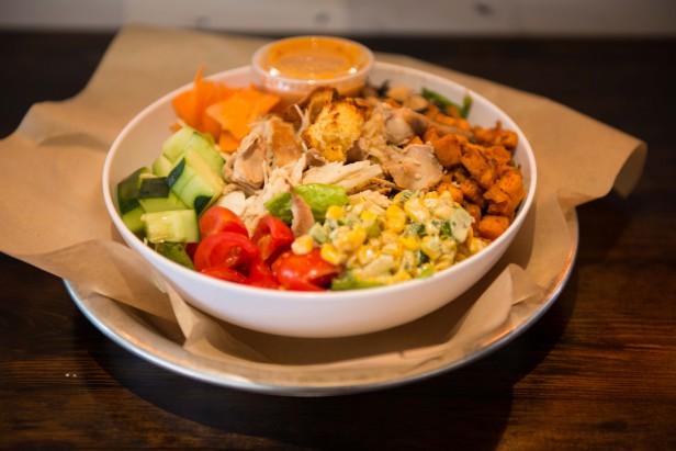 Chicago Apartments, Blackwood BBQ, Chicken Salad