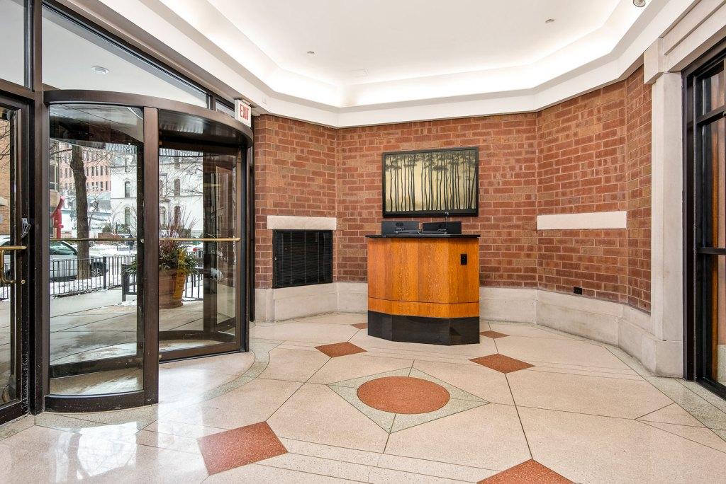 1133 N Dearborn Interior Lobby Chicago Apartments Gold Coast - 1