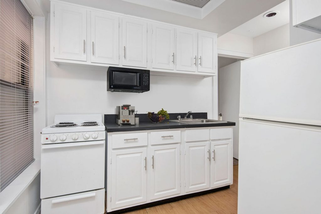 Chicago Apartments, Lincoln Park, 434 W Diversey Kitchen