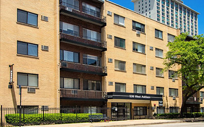 Chicago Apartments, Lakeview, 536 W Addison Entrance