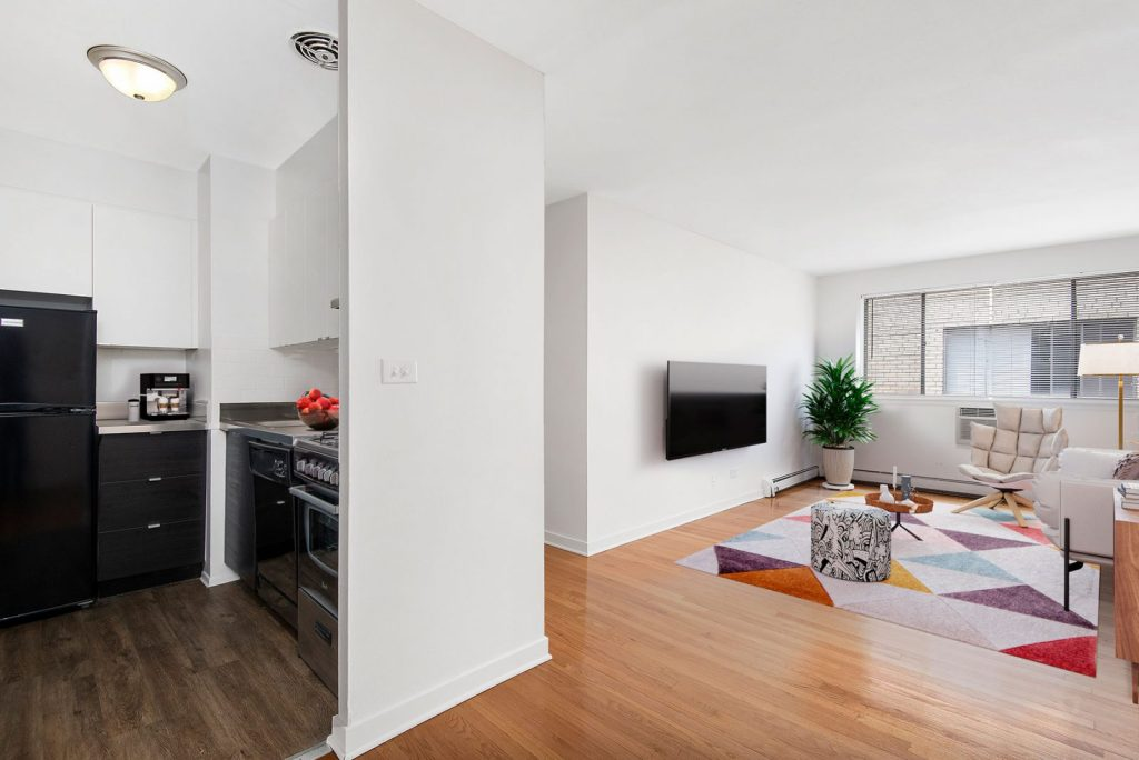 Chicago Apartments, Lakeview, 537 W Melrose One Bedroom