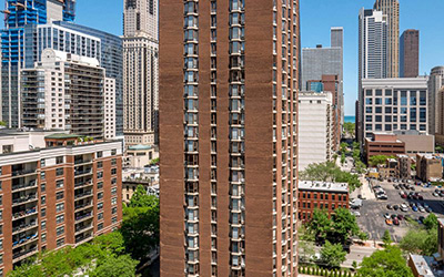 Chicago Apartments, River North, 55 W Chestnut Exterior