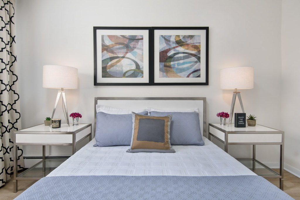 Chicago Apartments, Lakeview, 455 W Wellington Bedroom